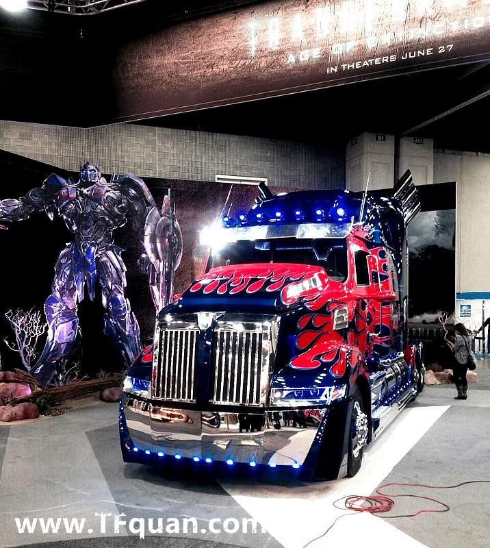 【新闻追踪】变四擎天柱亮相2014年美国中部卡车展